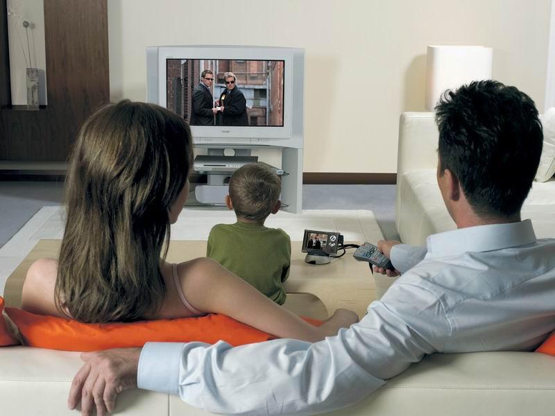 Фото смотреть телевизор